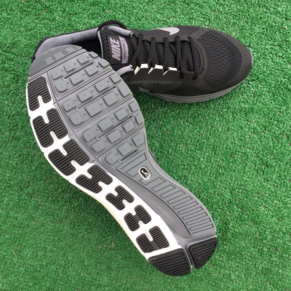 6f8c26266d036 Men s Nike Air Zoom structure 17 sneakers