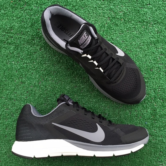 watch b03c8 94cba Men's Nike Air Zoom structure 17 sneakers NWT