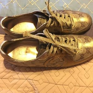 Gucci Gold sneakers 👞