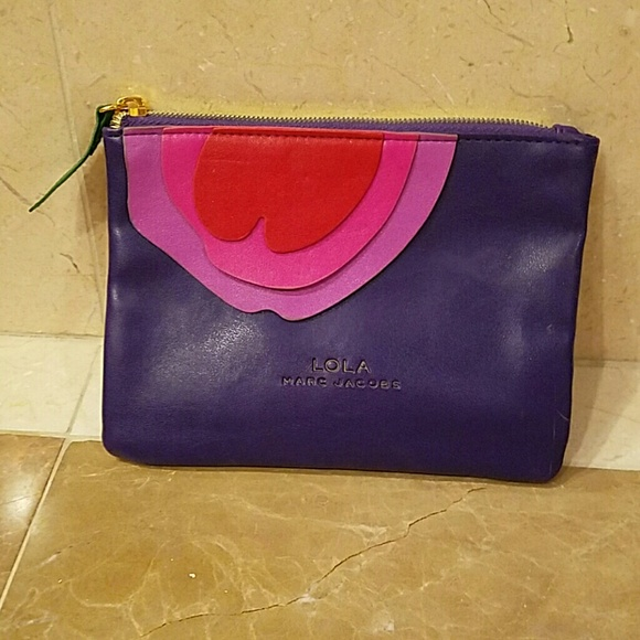 43d108a47f0b Lola by Marc Jacobs makeup bag. M 57094b6f5c12f8135202c0aa