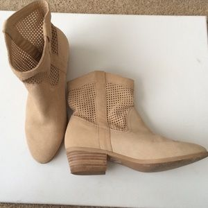 Sole Society Shoes - Sole Society Tan Booties