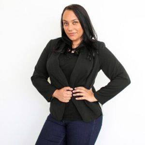 Black plus size blazer with pockets