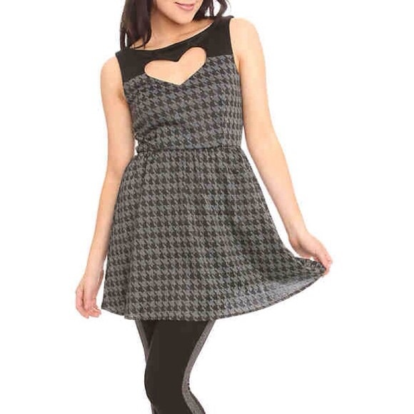 Hot Topic Dresses & Skirts - Houndstooth Heart Dress