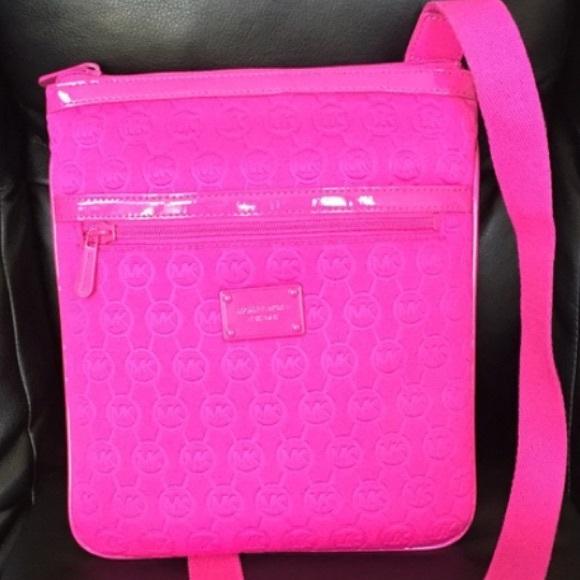 90e07c24a91d MICHAEL KORS hot pink neoprene tech bag/purse NWOT.  M_570977d26d64bc18f3030f93
