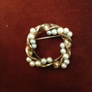 Vintage Gold Filled Pearl Brooch