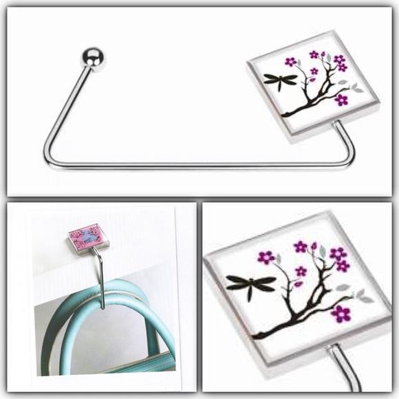 Glam Accessories - Dragonfly handbag holder 👜