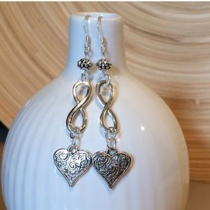 Jewelry - Infinity and heart earrings