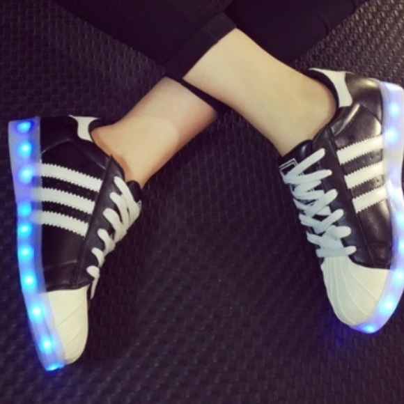 LED Light up shoes Size 10 womens
