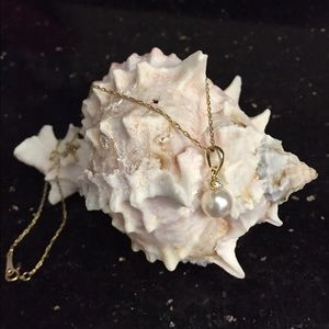 Jewelry - 14 k gold pearl and small diamond pendant