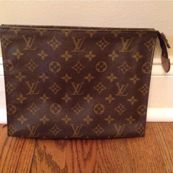 39936a0d6bfa Louis Vuitton Handbags - VINTAGE Louis Vuitton Toiletry Pouch Size 26