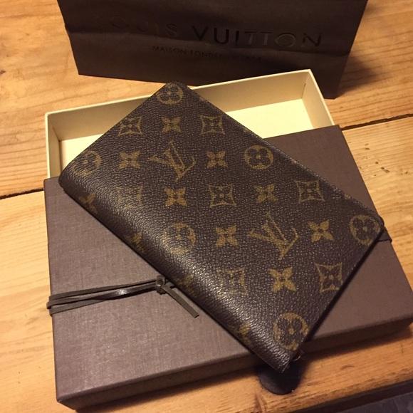 da980e788c7 Louis Vuitton Clutches   Wallets - Authentic Vintage Louis Vuitton Wallet  Passport