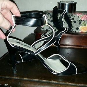 renica Shoes - Tuxedo stillettos