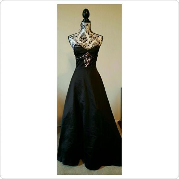 Preowned Prom Dresses - Eligent Prom Dresses