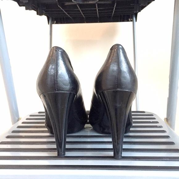 Nine West Shoes - NEW Nine West black classic pumps