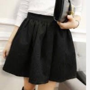 CLEARANCE ♦️New! Gorgeous Black High Waisted Skirt