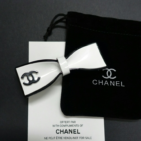 85 off chanel other white big bow pinching hair