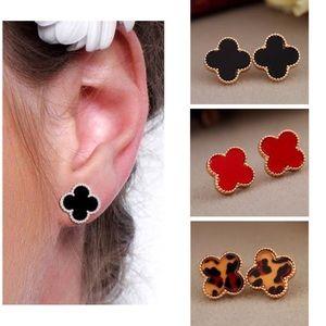 Jewelry - clover stud earrings