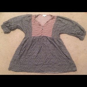 a long sleeved dress,
