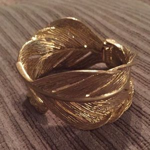 Chloe and Isabel Jewelry - Cuff bracelet