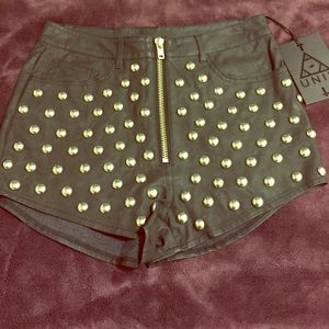 UNIF axel zip short studded black size 27