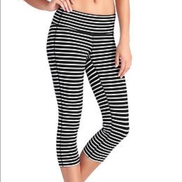 ac5869986e3e4 Athleta Pants | Black And White Striped Leggings Size S | Poshmark