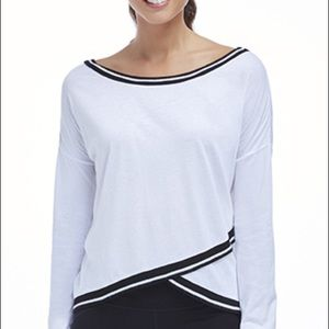 Super cute long sleeve athletic T