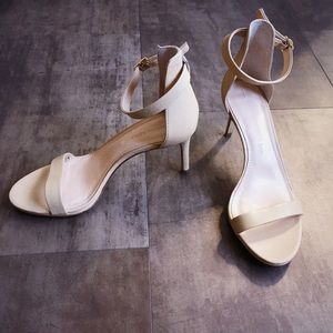 Banana Republic Shoes - Banana Republic nude heels 6