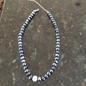 Jewelry - Black reflecting beaded necklace