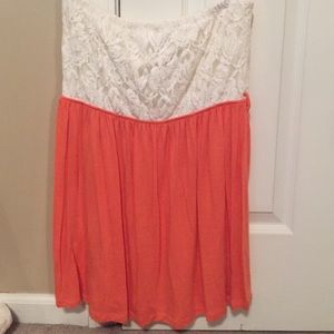 Strapless lace shirt