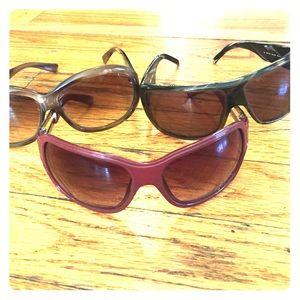 Accessories - 3 pairs of sunglasses