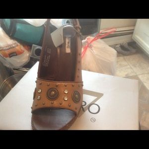 Shoes - NEW WITH TAGS/IN BOX BEAUTIFUL BLING SHOES