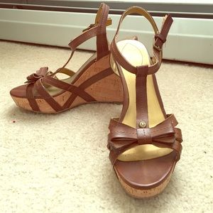 Guess 8.5 sandal wedges