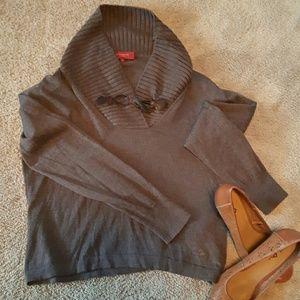 Slight cow neck Burberry Sweater