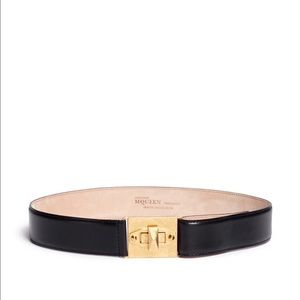 Alexander McQueen Black 'Legend' Twist Lock Belt