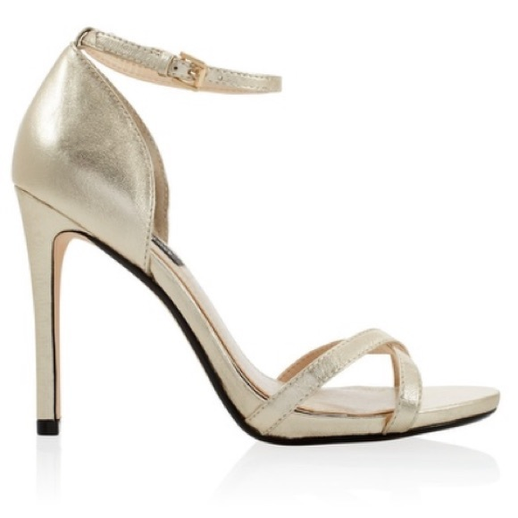 6466cf1d346 Strappy gold heels, perfect prom heels!