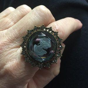 Jewelry - Victorian Style Intaglio Cameo Stretch Ring