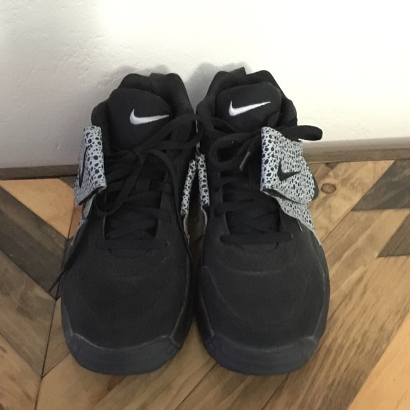 Nike Shoes | Velcro Strap Nikes | Poshmark