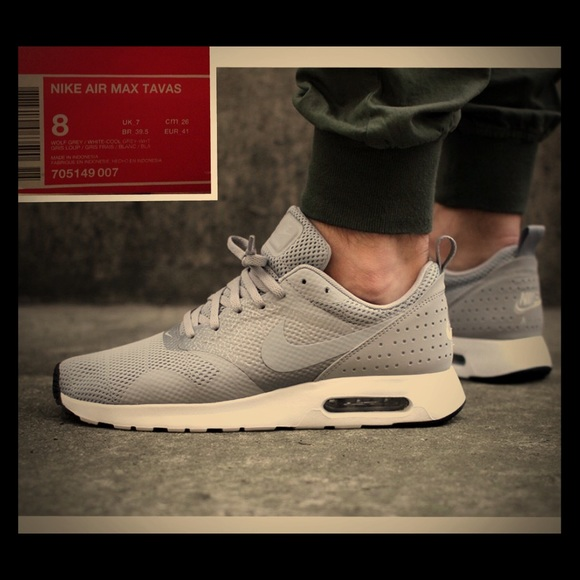 Nike Air Max Tavas Wolf Grey & White Sz 8 MENS