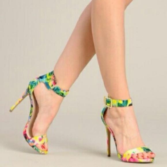 9967be0fb6d Steve Madden Marlenee platform sandal floral