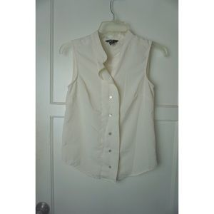 H&M Tops - Sleeveless Collared Button Down Top