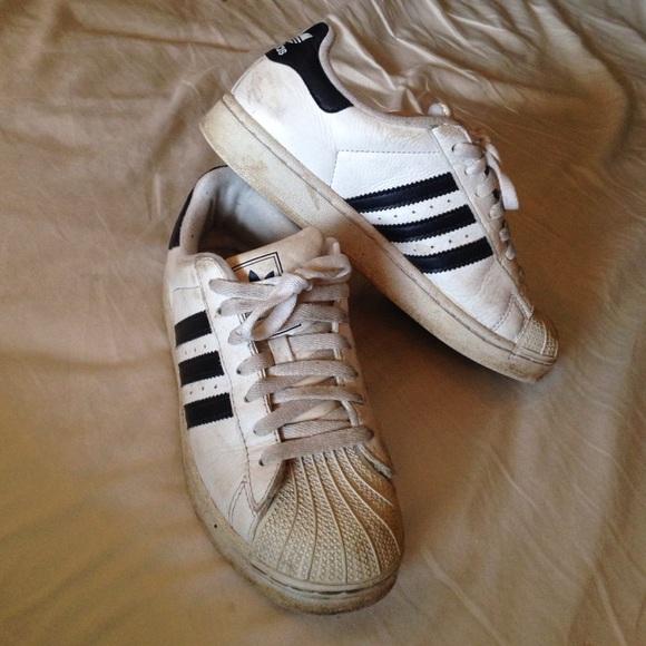 9a8ae64b6011 Adidas Shoes - Adidas 3 stripe shoes