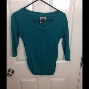 Mom's the Word quarter length sleeves top.