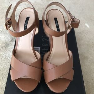 F21 BROWN WEDGES