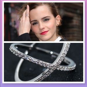 Miss Mare's Wares Jewelry - 💎Silver plate X Criss cross  CZ Ring