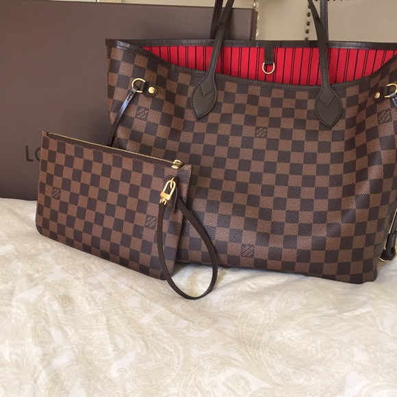 2b4bcbfe365 Louis Vuitton Handbags - Louis Vuitton Neverfull MM Damier Ebene