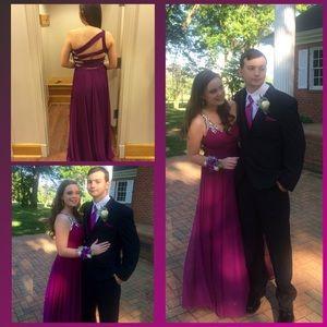 Dresses & Skirts - I'm selling my prom dress cheap!