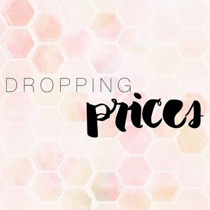 Dresses & Skirts - DROPPING PRICES NOW!🎉🤘🏼⬇️