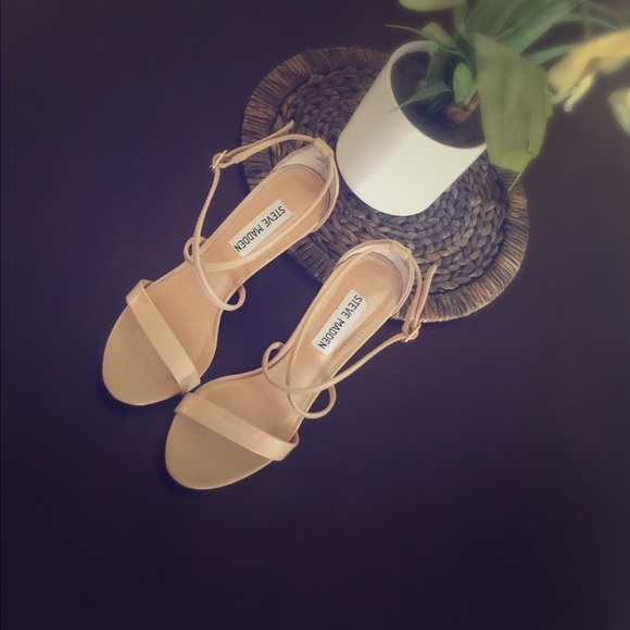 c64fc6e186e Steve Madden floriaa heel sandal. M 570c05063c6f9fd82900af05