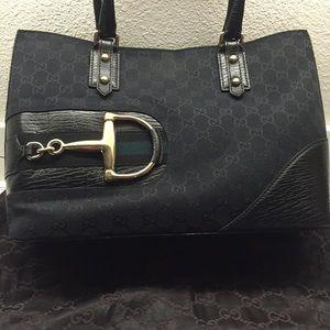 Gucci Handbags - Gucci purse!