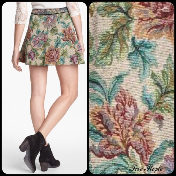 a823ccd96 Free People Dresses & Skirts - Free People floral tapestry skirt with  pockets